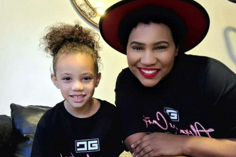 5-Year-Old Girl Dials 911 Saves Mom's Life