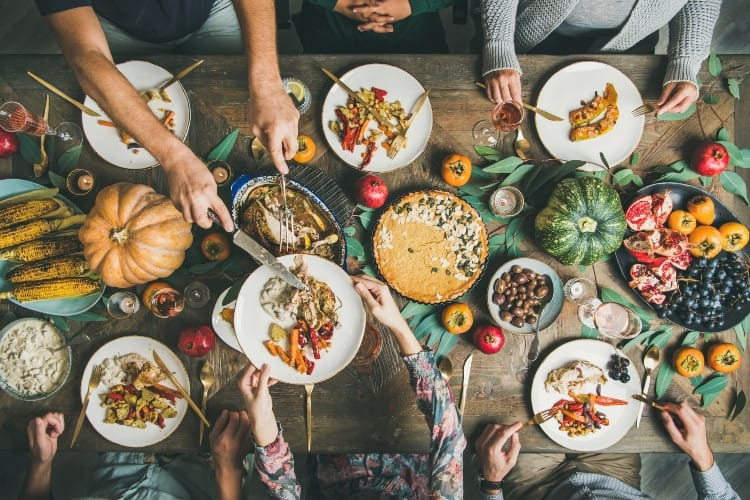 How To Host A Successful Zoom Thanksgiving